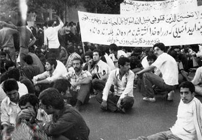 امام به وظیفه الهی خود لبیک گفت در15 خرداد سال42 ، استارت انقلاب را زد