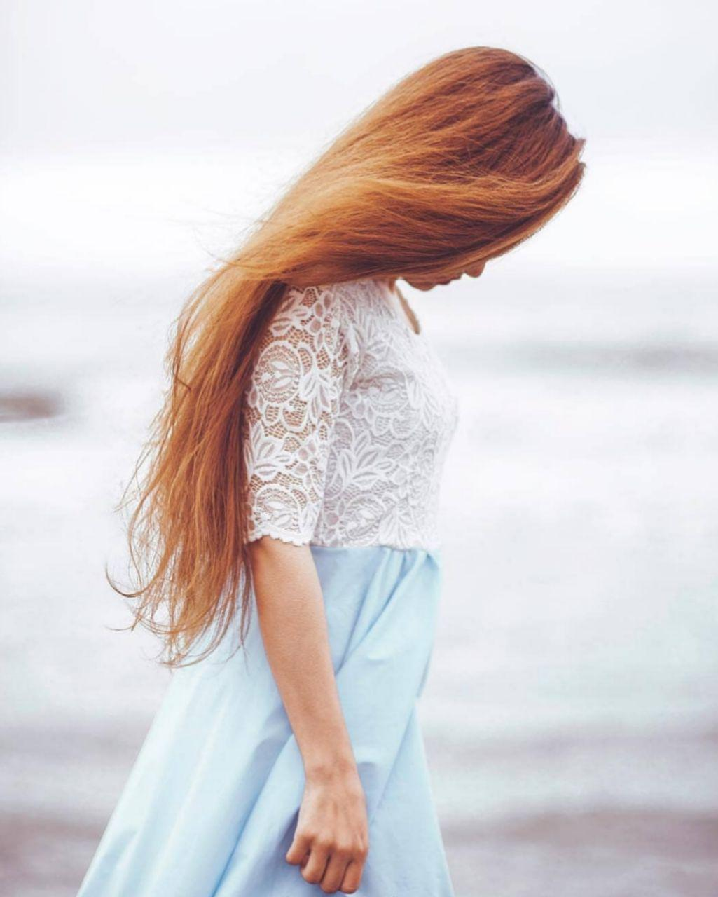عکس زن با موی پریشان