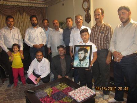 دیدار اعضای ستاد یادواره با خانواده شهید براتعلی خلجی شاهین شهر