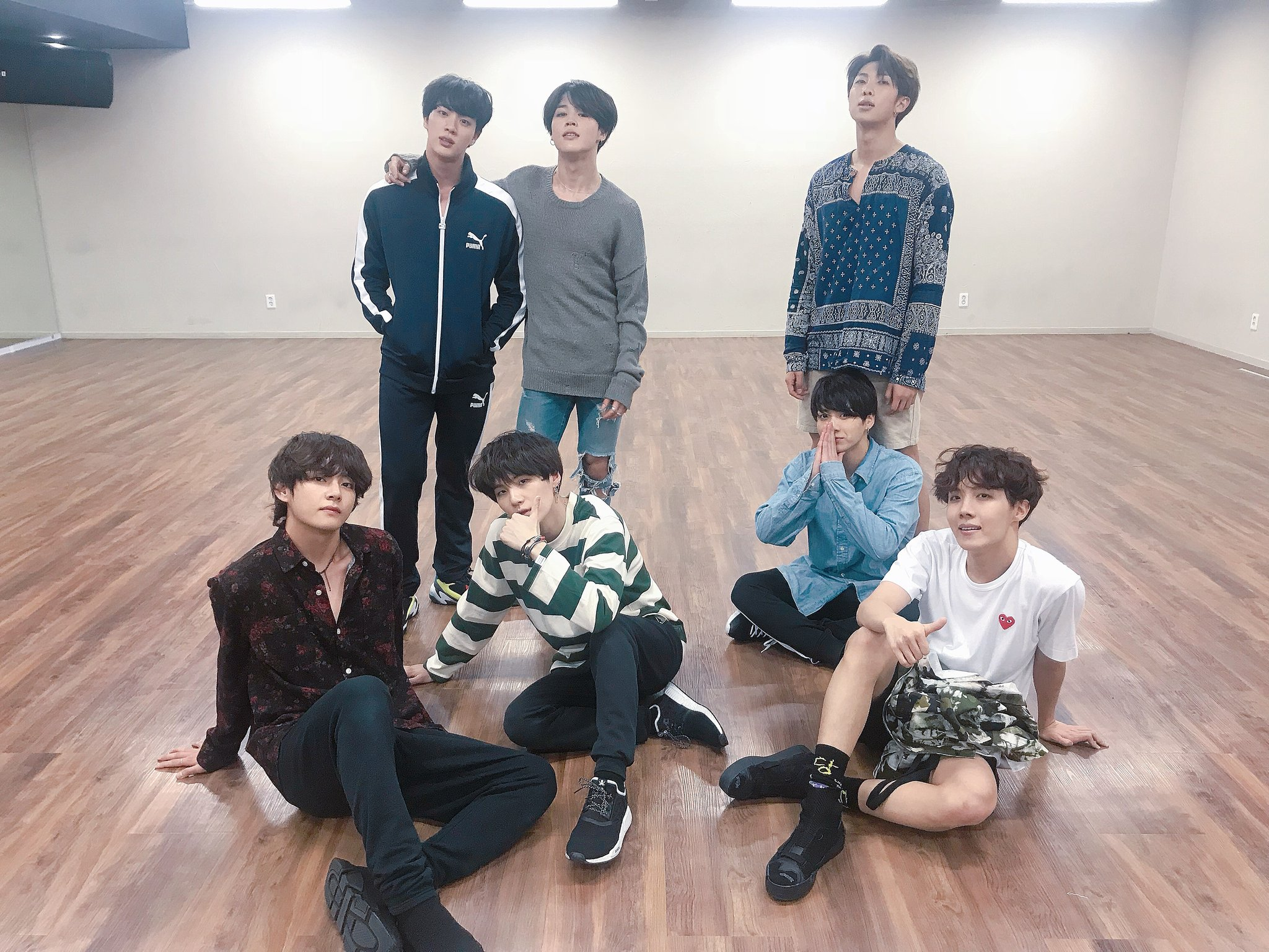 """373e demqy1euqaaclb0 - BTS """"FAKE LOVE """" dance practice"""