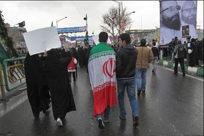 22 بهمن روز سرافزاری ملت ایران