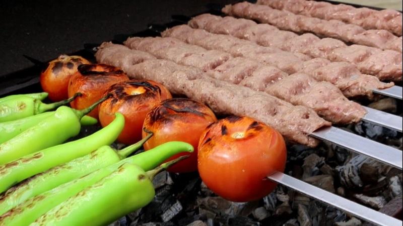 http://uupload.ir/files/4z7_kabab-kobideh.jpg