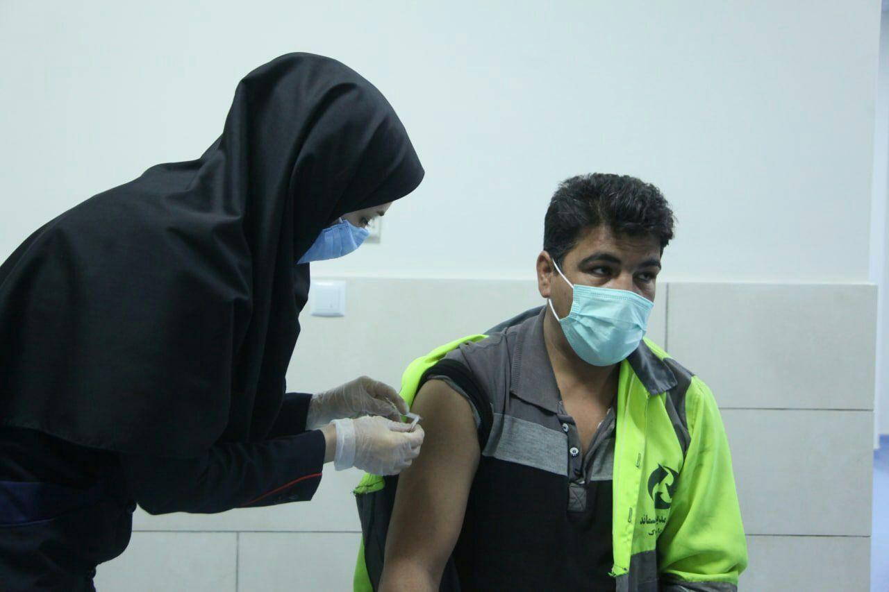 زریق واکسن کرونا برای پاکبانان کرمانشاهی کلید خورد