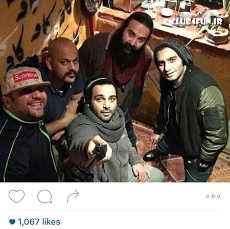 سلفی احسان علیخانی و دوستان در یک کافه روشنفکری