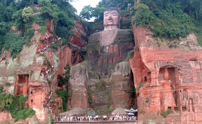 77x3_leshan_buddha_statue_view.jpg
