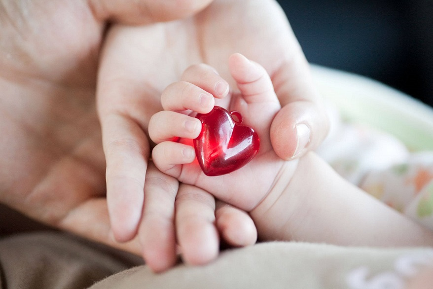 http://uupload.ir/files/80x0_baby-heart-disease.jpg