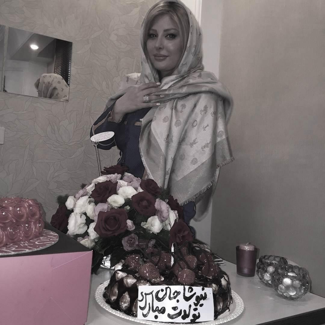 کیک دوستان نیوشا ضیغمی برای تولدش