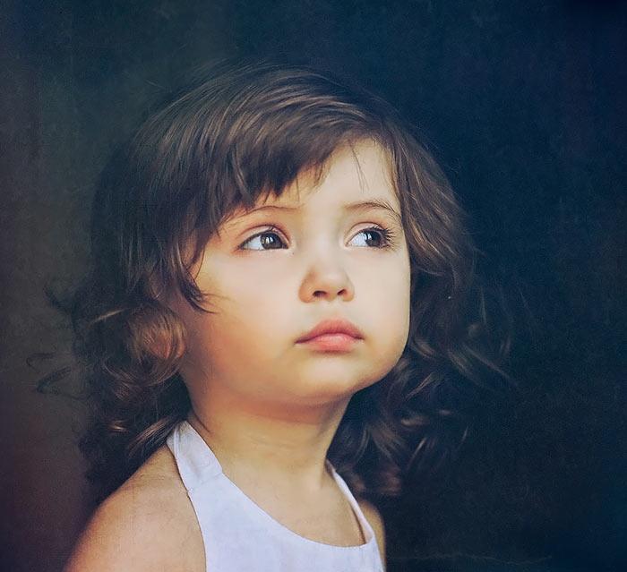 http://uupload.ir/files/84a1_beautiful_baby_girl_11.jpg