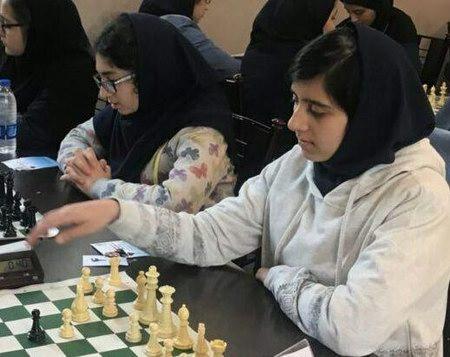برترینهای مدرسه شطرنج باران  برای دختران