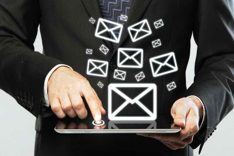 عبارات ساده که منجر به بیاعتباری ایمیلها و مکاتبات کاری میشوند