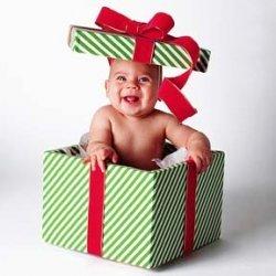 [عکس: 8zz0_lens18434979_1314814761baby_in_gift_box.jpg]