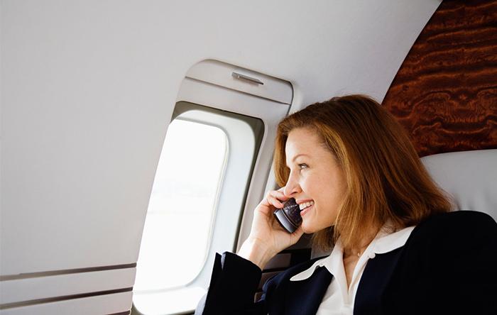 دلیل خاموش کردن موبایل در هواپیما چیست؟