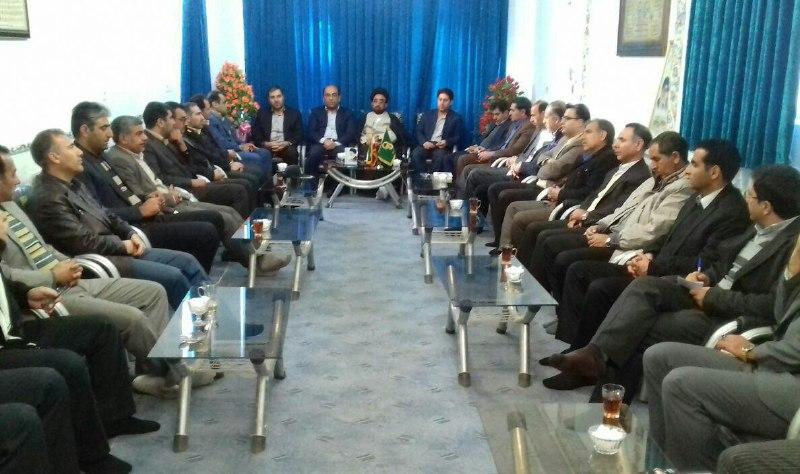جلسه مدیران شهرستان سلسله با امام جمعه این شهر به مناسبت دهه فجر
