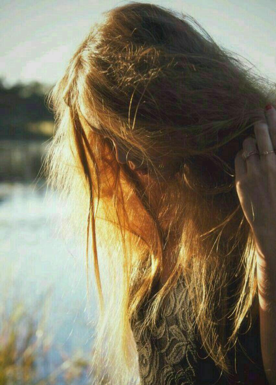 عکس دختر با موهای پریشون