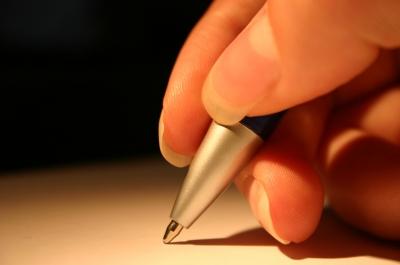 نوشتن نوعی بیان است که به ما در رها شدن از تنهایی و استرس کمک می کند نوشتن نوشتن نوعي بيان است که به ما در رها شدن از تنهايي و استرس کمک مي کند adm6 254842 c9ekhgun