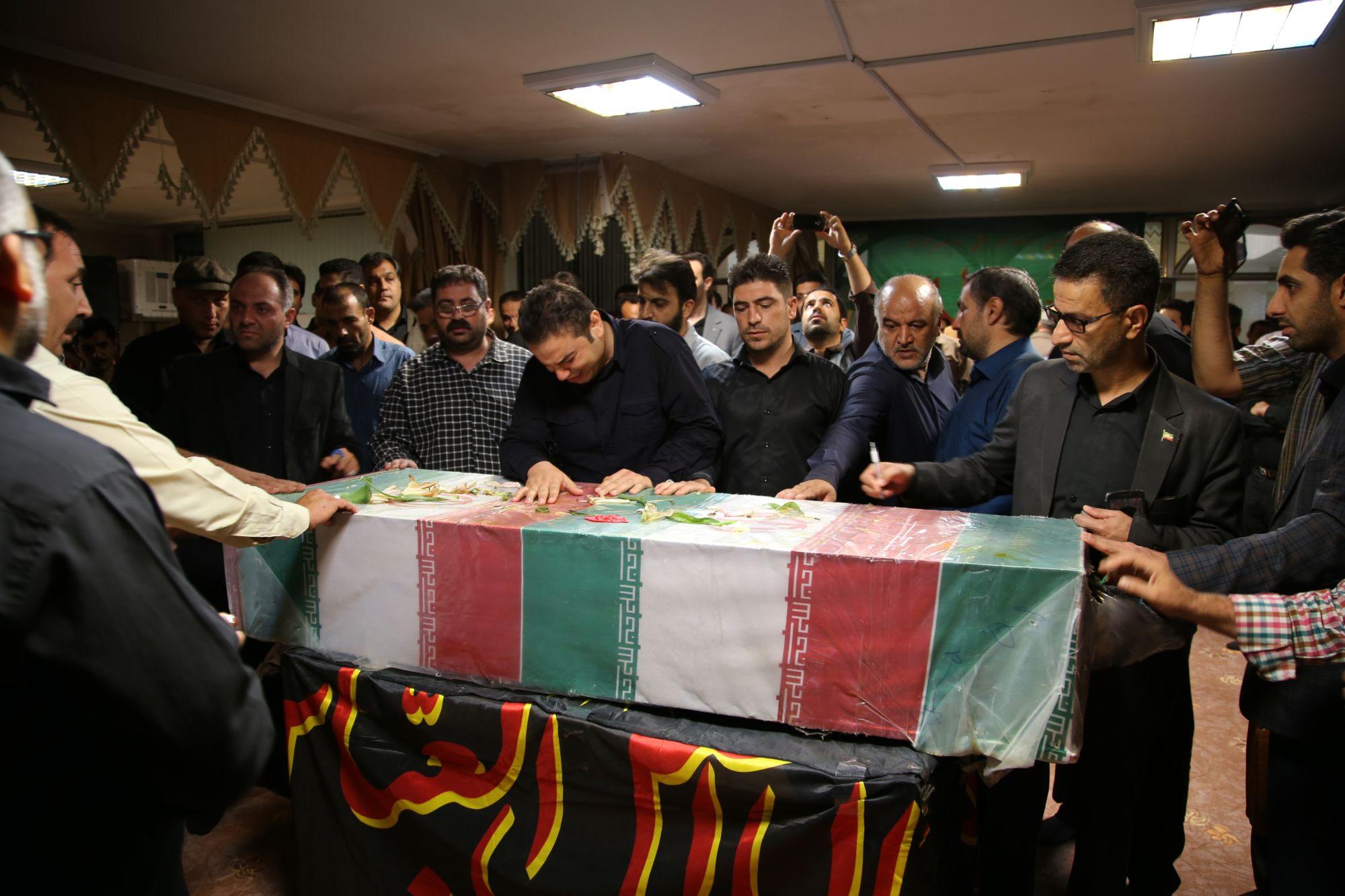 تشییع شهید غواص در شهرداری ورامین