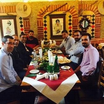 علی دایی در ضیافت شام در لندن ، علی دایی در انگلیس ، علی دایی