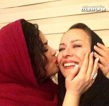 پست تبریک ملیکا شریفی نیا برای مادرش