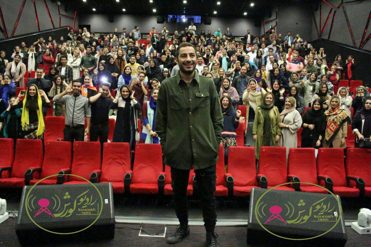 استقبال گرم مردم از نوید محمدزاده در کورش مال