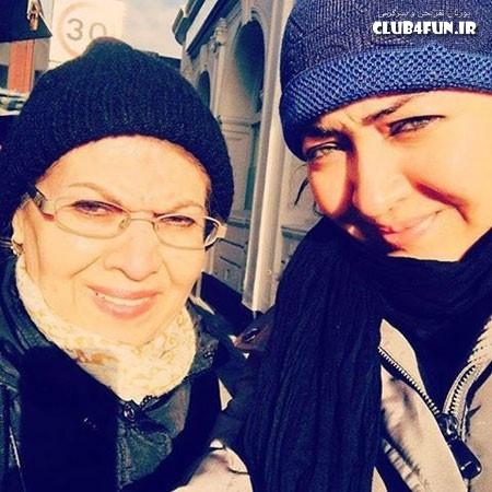 سلفی آفتابی نیکی کریمی و مادرش