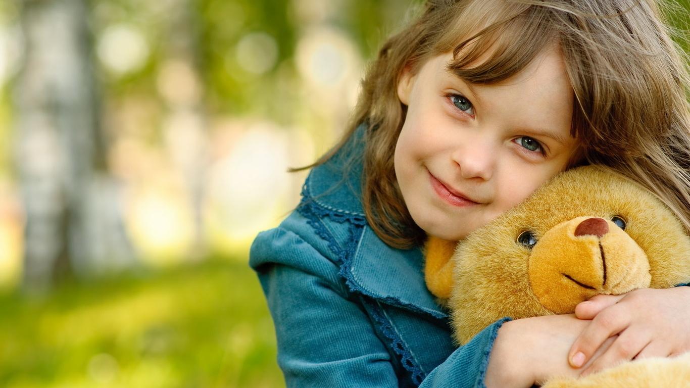http://uupload.ir/files/ce1u_cute-child-hd-wallpapers.jpg