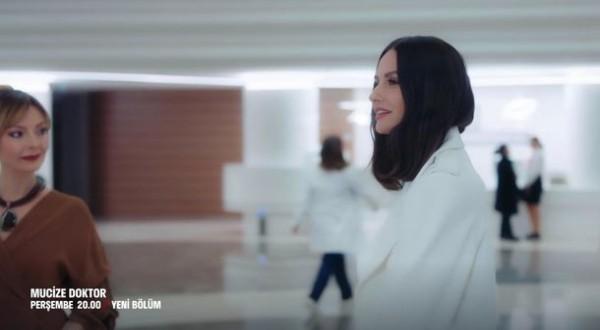یاسمین اوزرلی هان به نقش «دکتر الا» ادامه می دهد