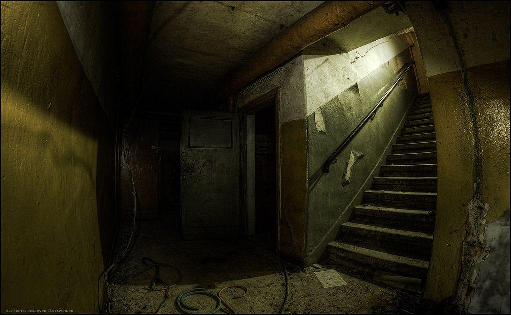 زیرزمین ترسناک