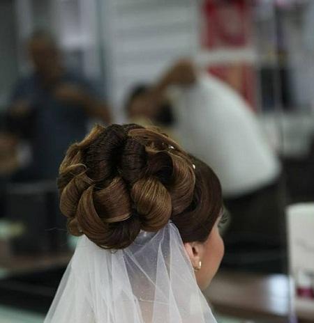 [تصویر: مدل شینیون عروس (فقط عکس)]