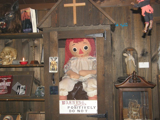 داستان واقعی عروسک انابل + عکس عروسک انابل