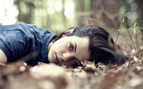 http://uupload.ir/files/f11f_عکس-دختر-زیبا-و-خوشگل-در-طبیعت-11.jpg