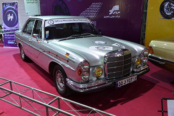 نمایشگاهی متفاوت از خودروهای کلاسیک  / برج میلاد میزبان علاقه مندان خودروهای کلاسیک