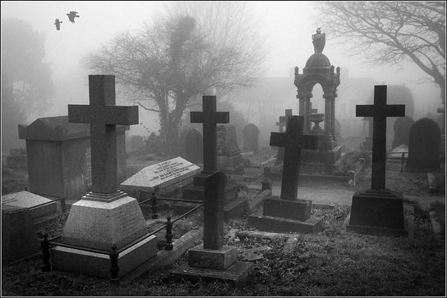 داستان ترسناک درباره قبرستان