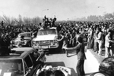 ورود امام عزیز برای مردم ایران حلاوت و سُکر صبح را داشت
