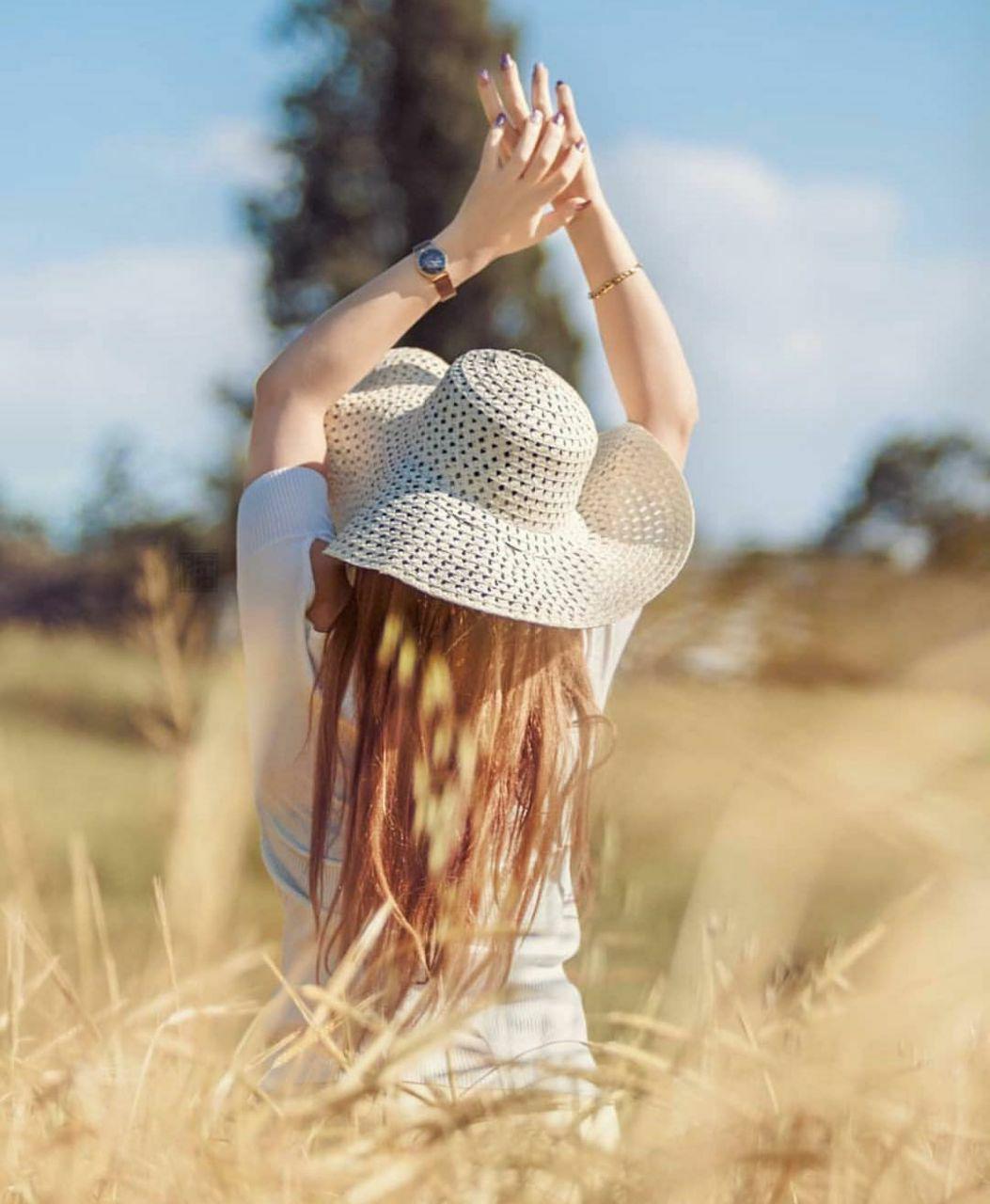 عکس دختر زیبا با موهای بلند