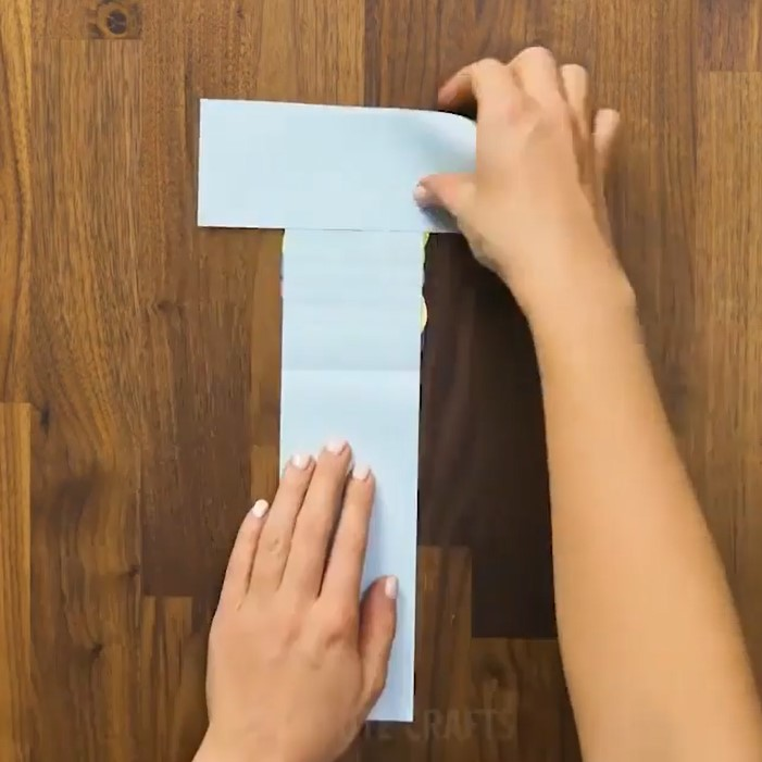 مرحله هشتم ساخت هدیه قلب با کاغذ