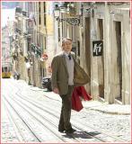فیلمها و برنامه های تلویزیونی روی طاقچه ذهن کودکی - صفحة 13 Hzdm_night_train_to_lisbon(2013).03_thumb