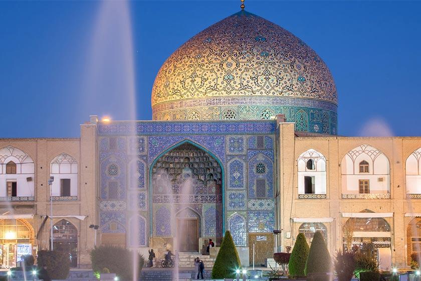تکریم شیخ ؛ مسجد شیخ لطف الله اصفهان