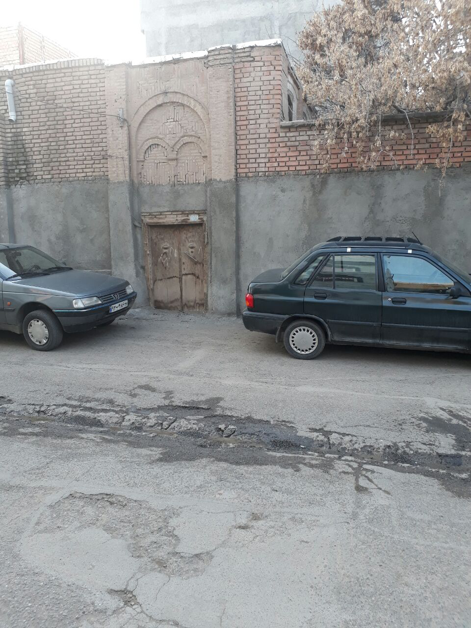 درب قدیمی و  معماری سردر آن کوچه حاتم خان خوی