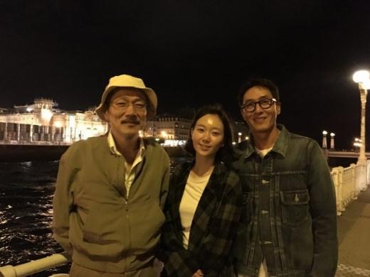 Kim joo hyuk و lee yoo young باهم قرار میذارند.