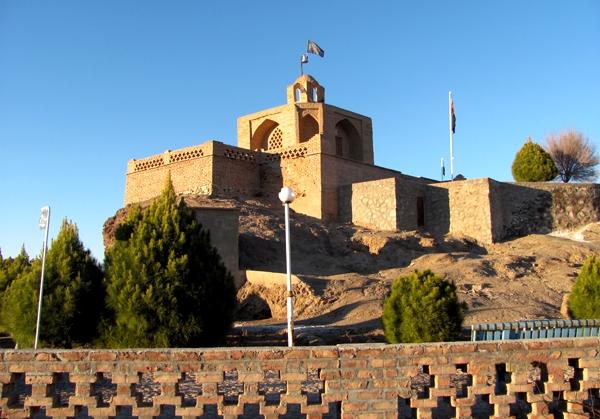 آرامگاه ابن حسام خوسفي