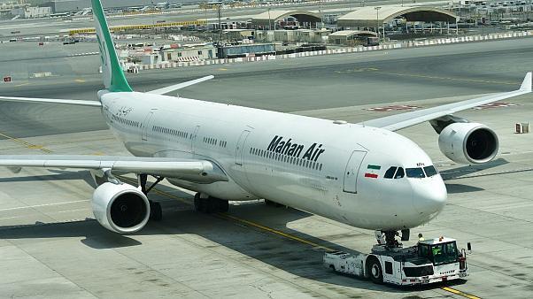 فرود اضطراری هواپیمای مسافری ماهان ایر به دلیل نقص فنی در فرودگاه شیراز