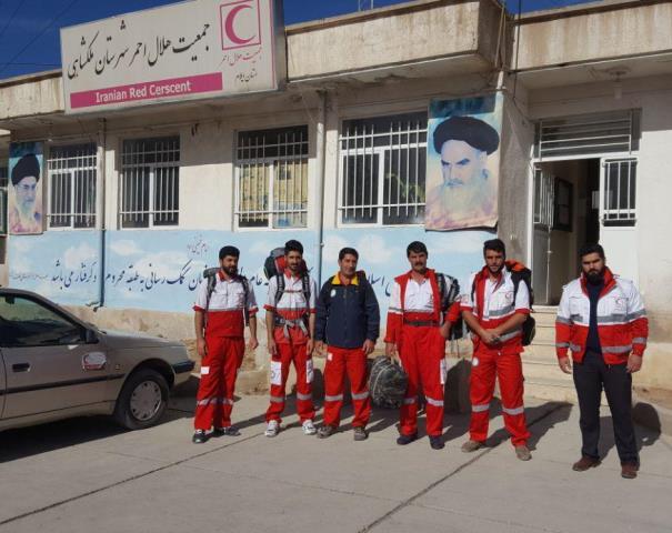 اعزام-تیم-امداد-و-نجات-ملکشاهی-به-مناطق-زلزله-زده