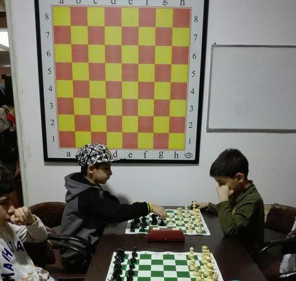 مسابقات هفتگی مدرسه شطرنج ذهن برتر10 آبان97