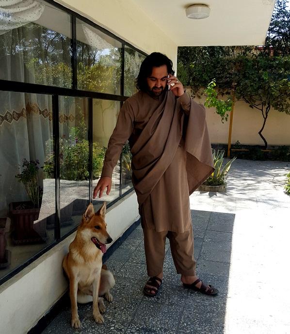 احمد محمود امپراطور با گرگ سگ وفادارش لیمو مونس
