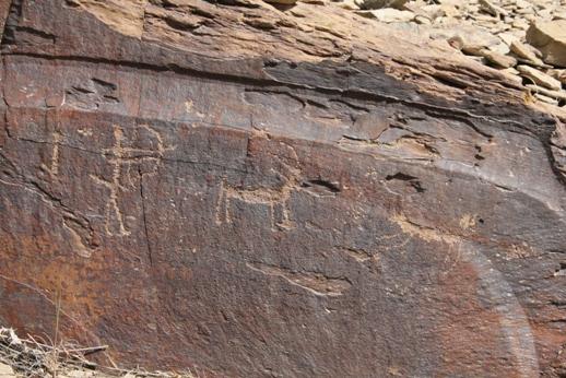 سنگ نگاره های جربت، هنری نقش بسته بر دامان کوه های جاجرم+ تصویر