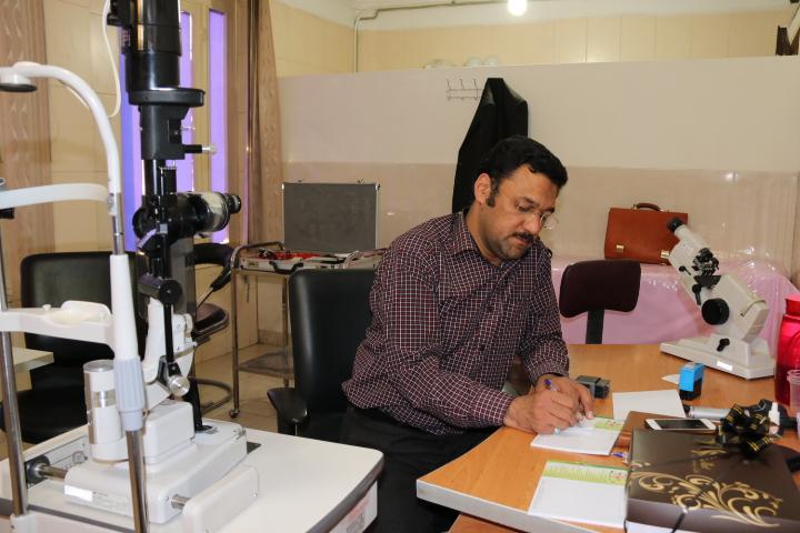دکتر محمدصادق محمدزاده
