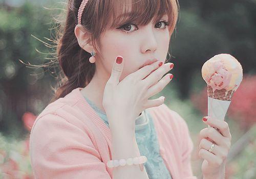 Image result for دخی کره ای با بستنی