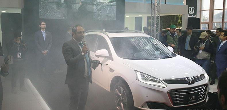 آرمان موتور کویر از محصولات لوکسژن در نمایشگاه خودرو تهران رونمایی کرد