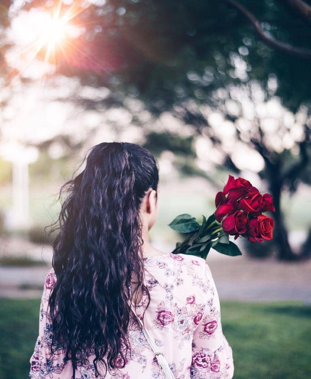 عکس دختر با موهای بلند زیبا
