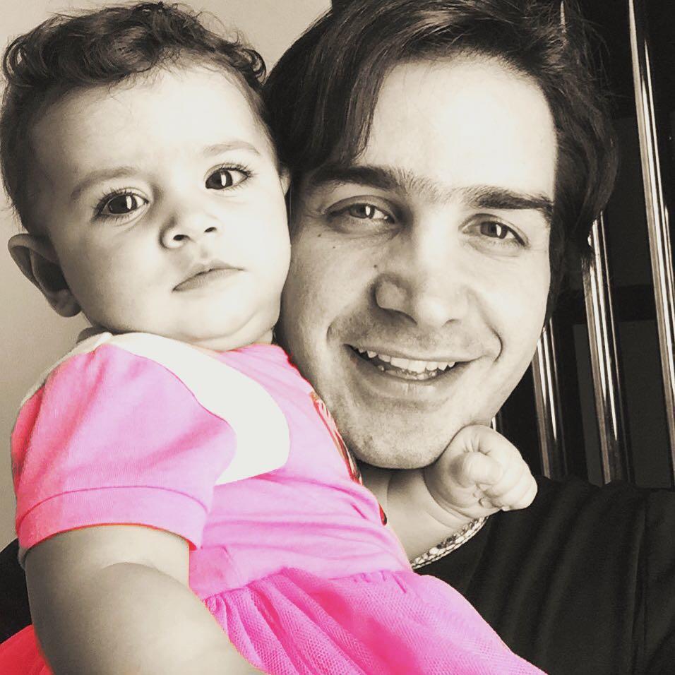 سلفی دیدنی محسن یگانه با دخترش نگاه